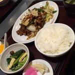鶏龍軒 - ランチのホイコーロー(950円)2015年2月