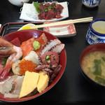 35092100 - 一番人気の海鮮丼