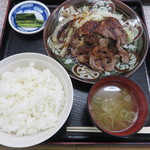小黒川パーキングエリア(下り線)スナックコーナー - ジンギス定食