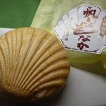 秋山菓子店 - 料理写真:ほたて最中