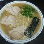 ラーメン げんこつ家 - ラーメン大盛650円(2015.1下)