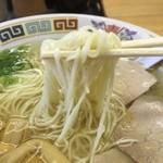 35103240 - また、この細麺にスープが馴染むんよね~♫