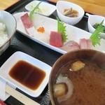まるます - 料理写真:盛り合わせ定食1400円
