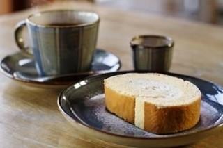 五十鈴川カフェ - コーヒーとロールケーキ