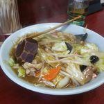 玉蘭 - 醤油味野菜あんかけ麺。 700円。茹でた中華めんに絶妙に味付けされた野菜と肉の餡がかけらています。