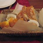3511871 - サービスのパン