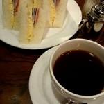 珈琲屋ROW - 『ハムのサンドイッチ』セット¥720-
