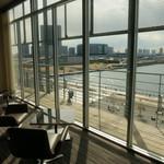 ブリース - VIP ROOM 窓からの東京湾オーシャンビュー