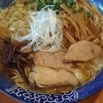 麺や 亀陣 - 鶏白湯醤油750円