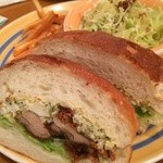 35119520 - フライドチキンとタルタルソースのサンドイッチ(1100円)