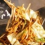 鉄板酒場 鐵一 - 料理写真:3種類のソースをブレンド!!