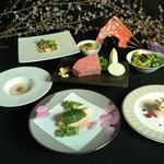 六番館 - 春を感じさせるコース料理です。