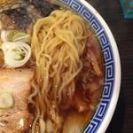 豪ーめん - らーめん(中) 麺アップ