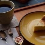 アンティーム - 料理写真:ベイクドチーズケーキ