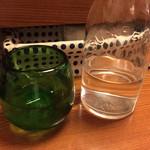 ガチマイシーサー - 八重泉 2合をシェア
