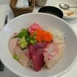 すぎうら - 具だくさん海鮮丼(20150214)