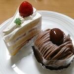35129700 - 苺のショートケーキ(340円+税→300円+税)、モンブラン(430円+税)