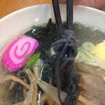 おかゆ専門店・甘味処 なつかし館 蔵 - 塩味 麺が黒!