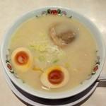 餃子の王将 - 牛骨ラーメン(518円)