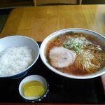 マルヨ食堂 - 地元のラーメン(≧▽≦)