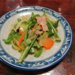 しま膳 - '15.02.13(金) 17:30 オオタニワタリの炒め物(600円)