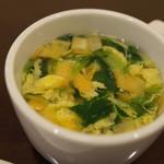 想夫恋 - セットのスープ。コーンと玉子が選べます。これは玉子スープ。意外と具沢山。