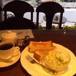 カフェ・ラパン - モーニングセット(チーズトースト)