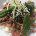 Hearty Cafe - 特選黒毛牛サーロインステーキ丼