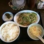 かけらーめん 一番館 - 豚肉ピーマン細切り炒め定食660円