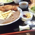 ママン - 豚カツ美味しかったよ、カツカレーとミニサラダ食べました