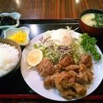 35143424 - 【ランチ】若鶏の唐揚げ定食