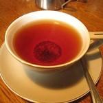 カフェ・ホートン - 紅茶は茶葉沈んでマス