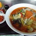 手打ち蕎麦しなの屋吉べぇ - 野菜ラーメン ピリ辛ゴマ坦々風味