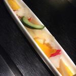35155292 - 色とりどりの旬野菜のピクルス