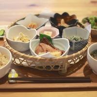 オーガニックカフェ チャント - 花ランチ。