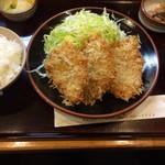 かつ精 - ヒレカツ定食全景(950円)
