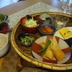 vegecafe+α - 20品目野菜かごランチ