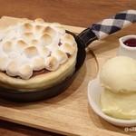 35157847 - 焼きマシュマロとチョコレートのパンケーキ
