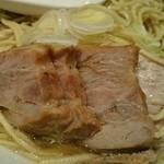 自家製麺 伊藤 - [1回目]肉そば 中(850円)・焼豚アップ