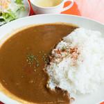 クレプスキュール・カフェ - カレーランチ(ビーフカレー・サラダ・スープ・ドリンク付き):750円