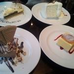 35159419 - デザートタイム。4人それぞれ別のデザートを