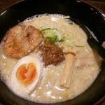 家紋らーめん茶屋 快 - 卵坦麺