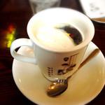 詩季 - 食後のコーヒー  生クリームを浮かべてみました(*^^*)