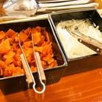 白銀亭 - 福神漬&玉ねぎの酢漬け