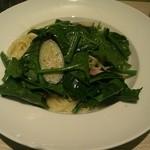 オリーブ - 茄子ほうれん草ベーコンのアーリオオーリオ