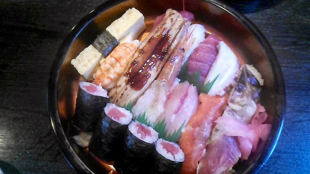 仙石すし 本店 (せんごくすし) - ささしまライブ/寿司 [食べログ]