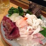 居酒屋 きよちゃん家 - 刺身盛り(ヒラメ、サザエ、鰹、ぐれ、いか)