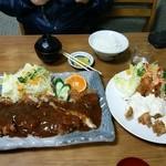 たつ - ジャンボかつ定食1700円、エビフライ定食1500円