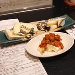 29 ロティ - チーズ2点盛り と チャンジャ クリームチーズ (2015/01)