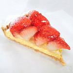 かにわしタルト店 - 苺のタルト